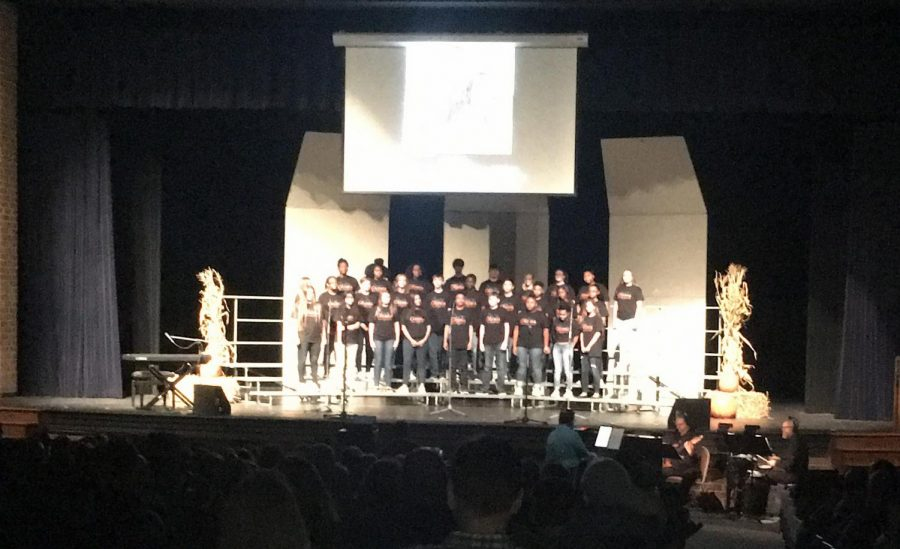 concert+chorus+sings+at+the+Fall+Cafe+2017