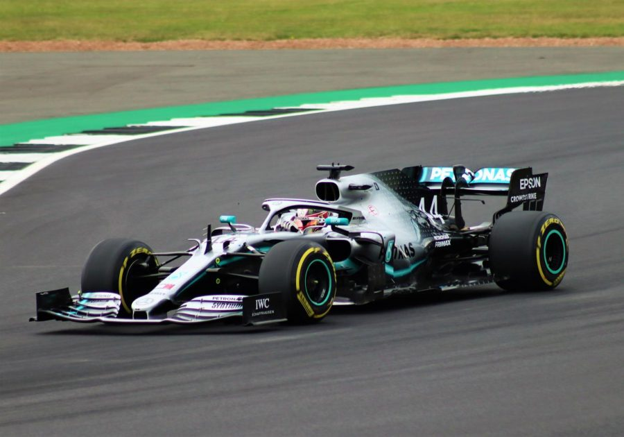 Drivers+Kimi+R%C3%A4ikk%C3%B6nen+and+Lewis+Hamilton+both+break+Formula+1+records.