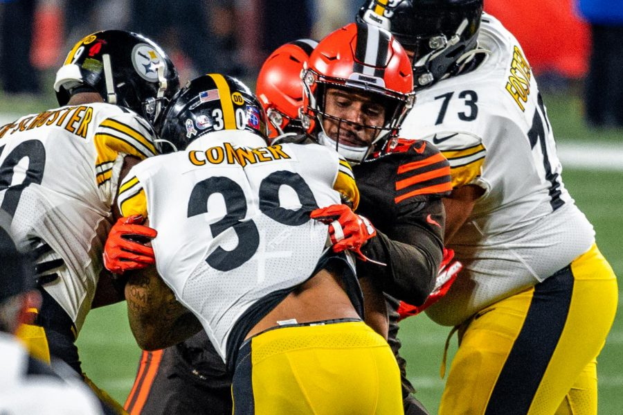 James+Conner+fights+for+extra+yards+vs.+the+Cleveland+Browns