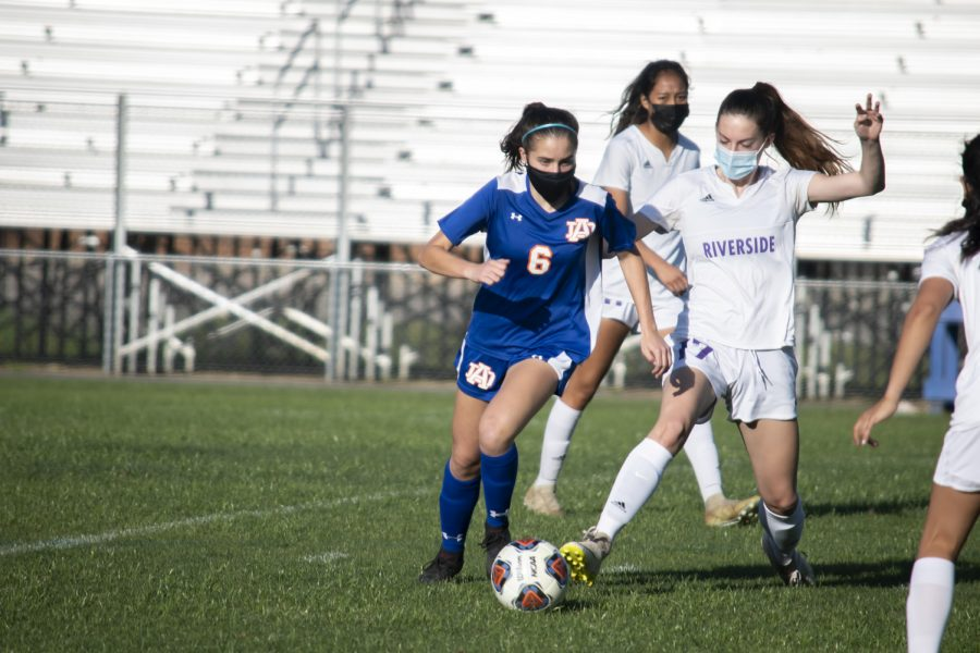 Athens Drive Women's Soccer Defeats Riverside 1-0 in Jaguar Stadium.